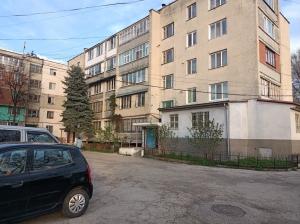 Apartament – Vasile Lupu